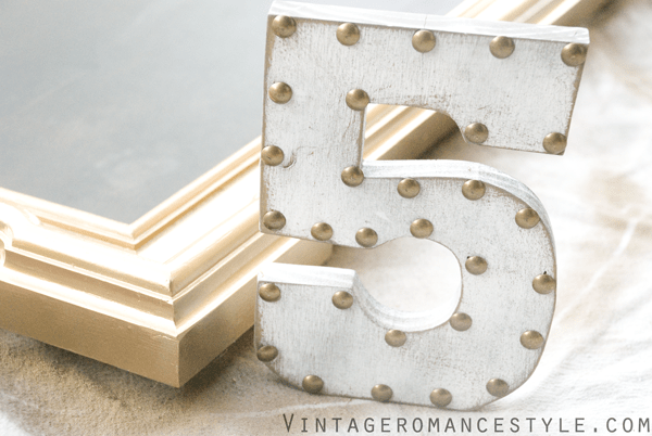 paint and nailhead number - Vintage Romance Style via @Remodelaholic