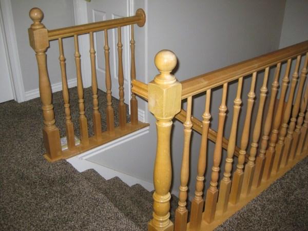 stair banister before - TDA Decorating and Design featured on @Remodelaholic