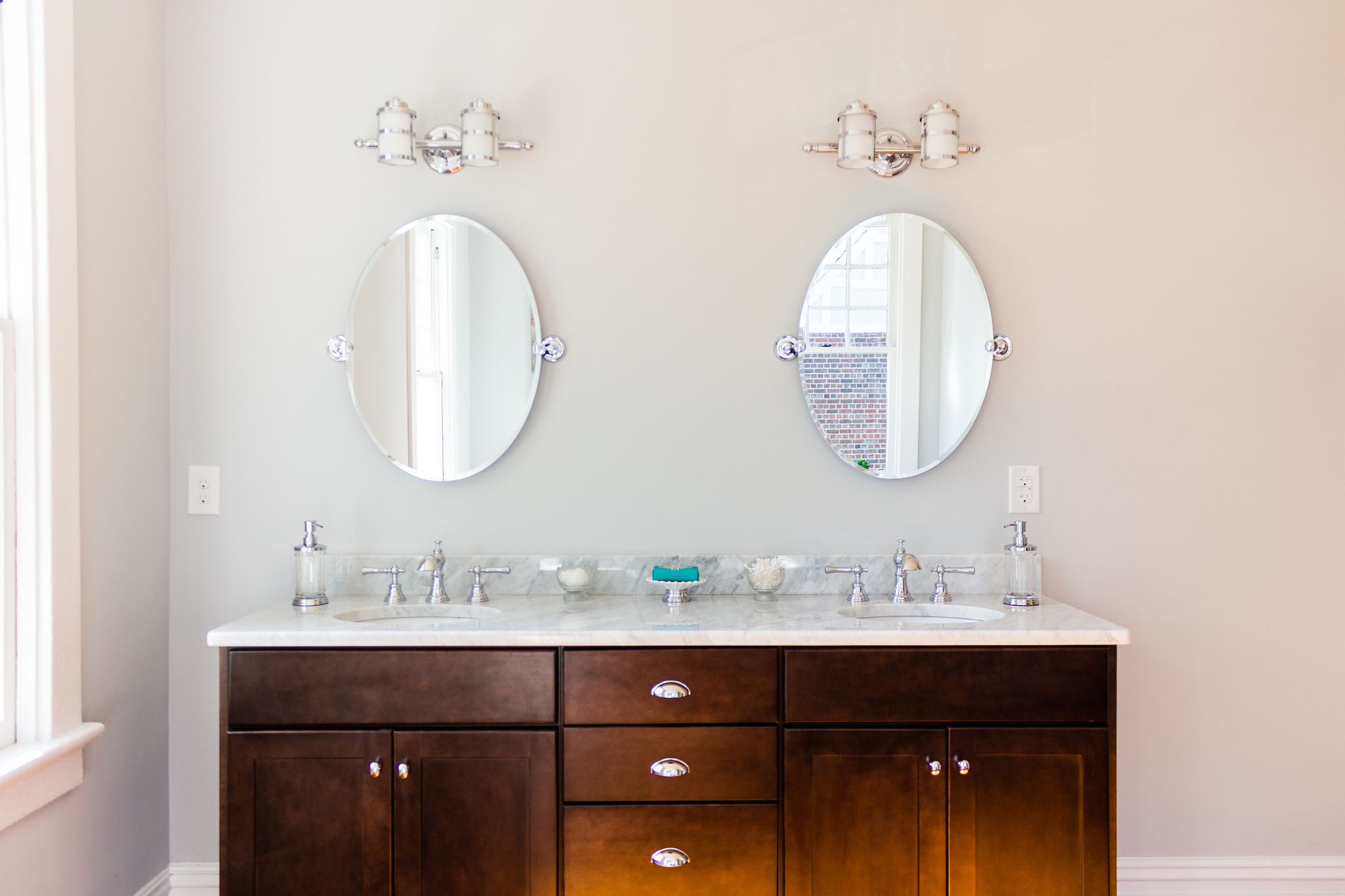 (Hawthorne) Spacious Open Bathroom With Wood Floor Dark Espresso Double  Vanity Mirrors @Remodelaholic