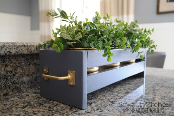Planter Sawdust2stitches for Remodelaholic