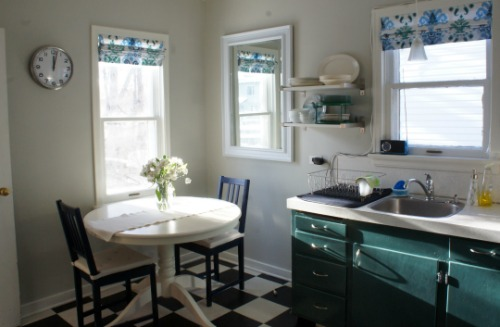 kitchen makeover - Prarie Home Therapy via @Remodelaholic
