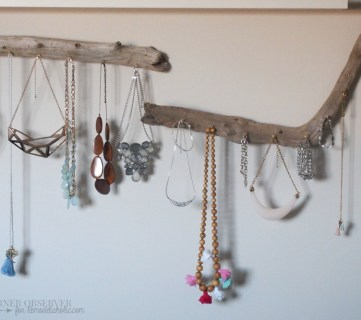 $5 Solution: DIY Jewellery Organization