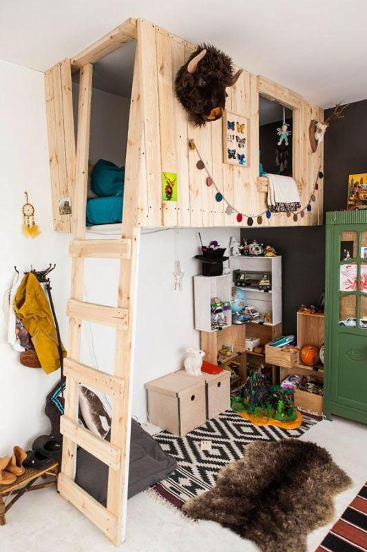 playhouse - woodland lodge theme playroom ideas