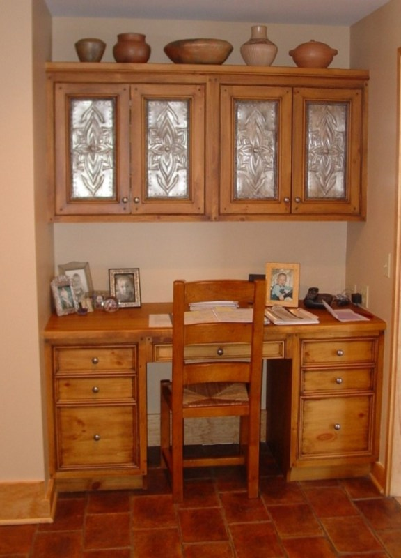 Smart Organizing and Storage Solutions - built-in antique desk @Remodelaholic