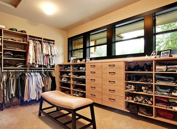 Smart Organizing and Storage Solutions - master closet @Remodelaholic