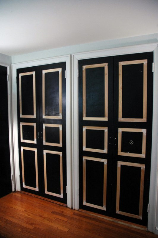6 panel closet doors DIY update - Little Green Notebook