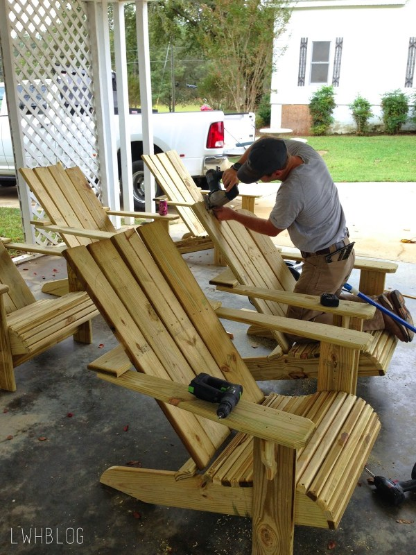 Building Adirondack Chairs and Pergola by Little White House Blog featured on @Remodelaholic