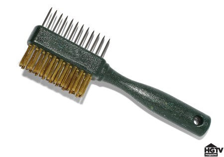 Use a brush comb to clean paint brushes