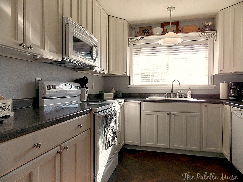 Genial How To Paint Cabinet Doors By The Palette Muse Featured On Remodelaholic