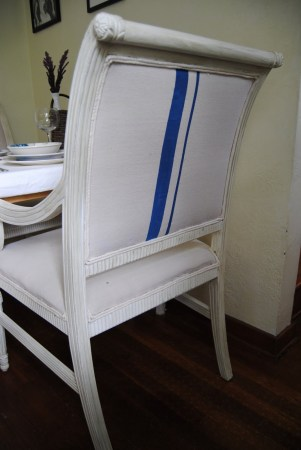 dining chair makeover via @Remodelaholic