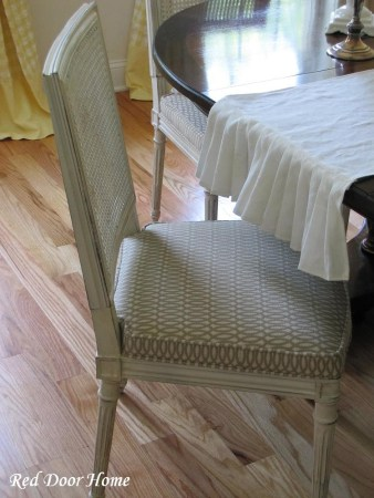dining chair painted makeover via @Remodelaholic