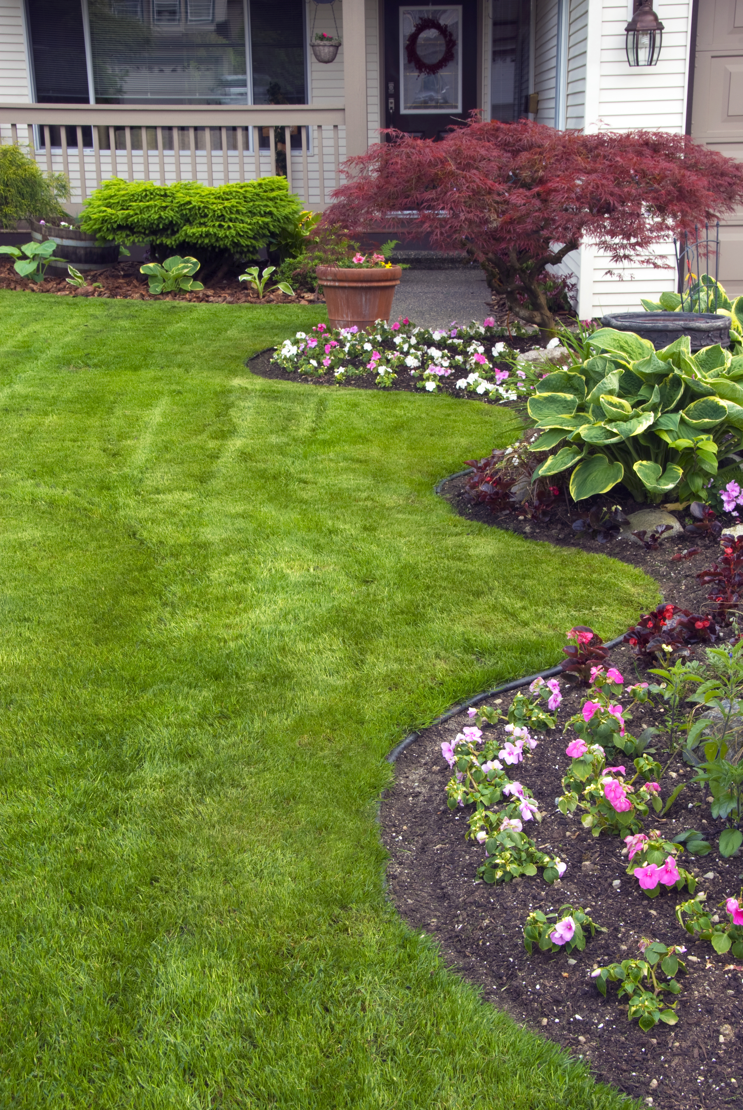 Remodelaholic | 5 Front Yard Landscaping Ideas You Can ... on Landscape Front Yard Ideas id=61978