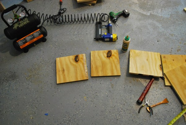 Building Seats for Childrens Playtable by ToolBox Divas for Remodelaholic