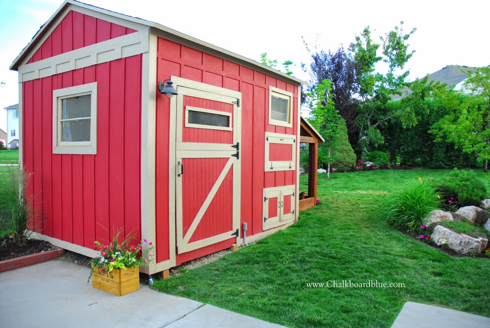 How to Build a Chicken Coop with