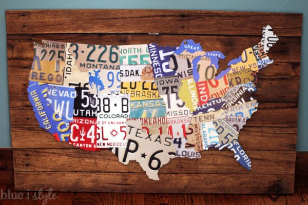 DIY License Plate Map by Blue i Style featured on Remodelaholic