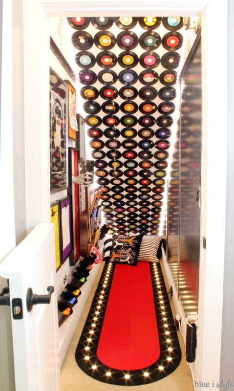 rock and roll under stairs playroom area, Blue I Style Blog