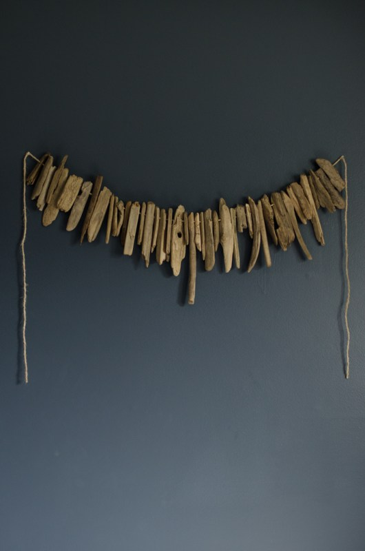 Easy Art Ideas for Kids Room Decor: diy driftwood garland (Lemon Thistle)