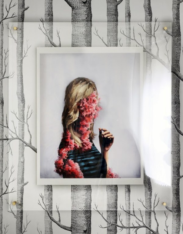 diy floating acrylic photo frame for art prints (The Hunted Interior)