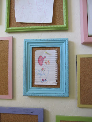 easy corkboard frame gallery (Shannon Makes Stuff)