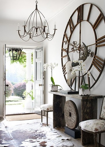 Remodelaholic | 24 Ideas on How to Decorate Tall Walls