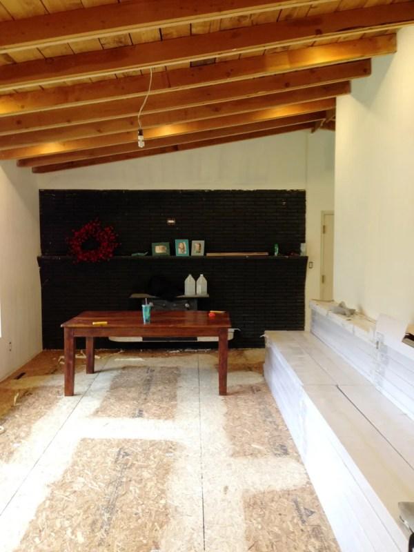 Remodelaholic living room flooring install process (7)