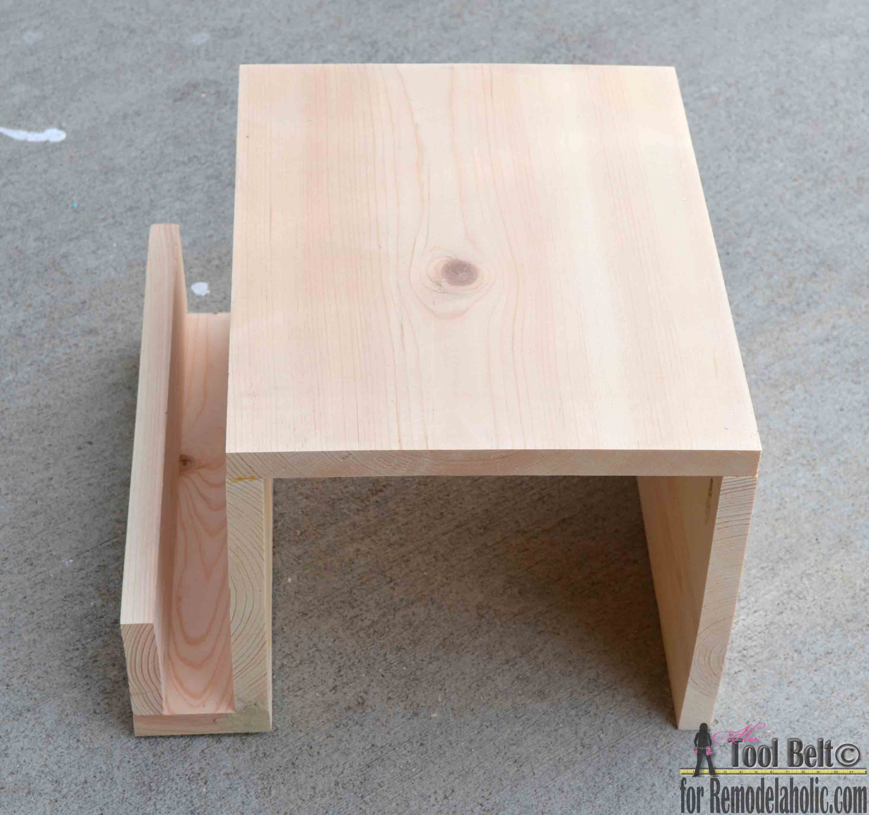 Need A Little Extra Space For Your Game Time Snacks And Drinks? Build This  Super. Sand The Sofa Arm Table ...