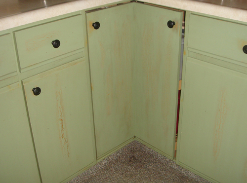 Carol painted kitchen cabinet review