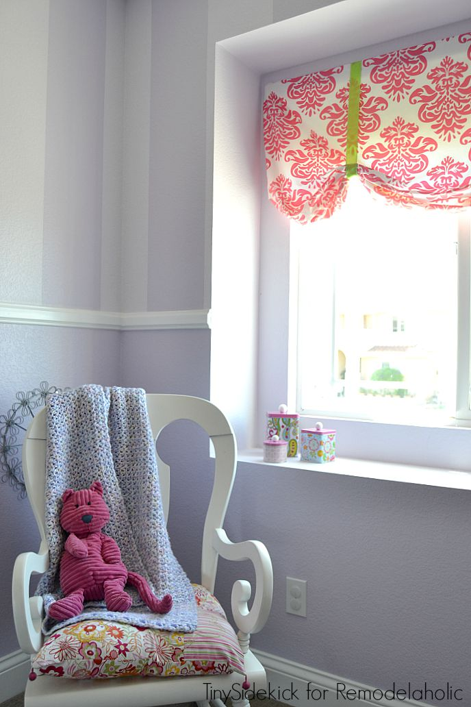 easy no sew window treatments for a little girl's room