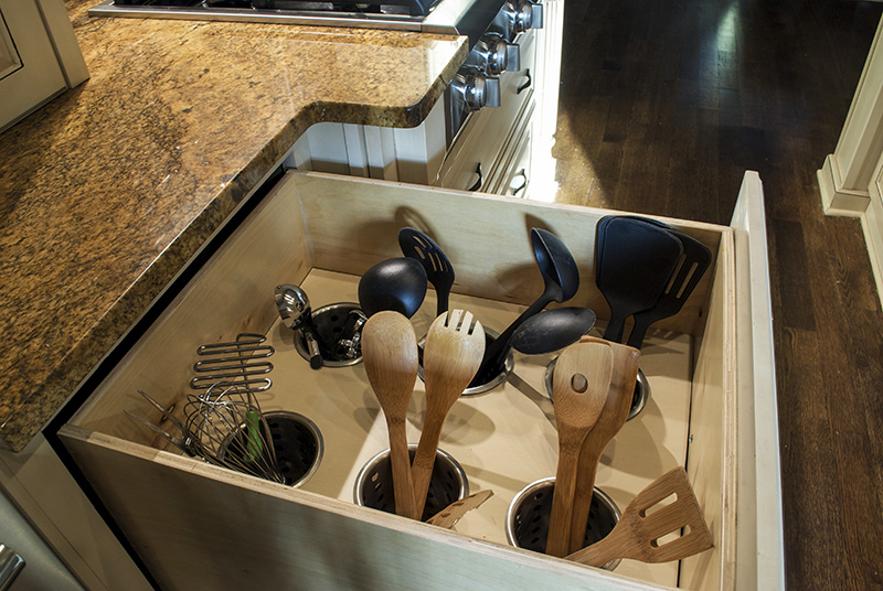 Remodelaholic | DIY Upright Utensil Drawer Organizer
