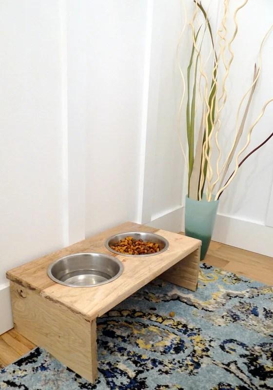 DIY Rustic Pet Feeder