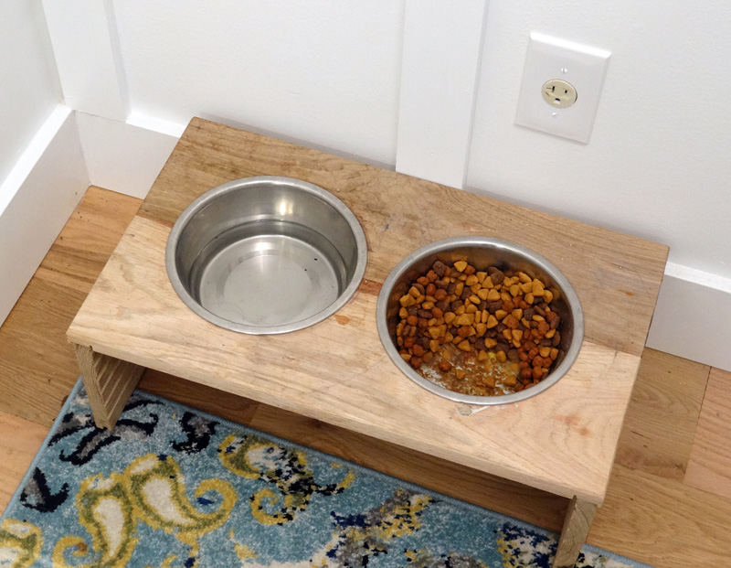 How to make a rustic pet feeder