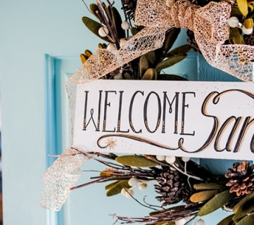 DIY 'Welcome Santa' Holiday Sign; Day 2