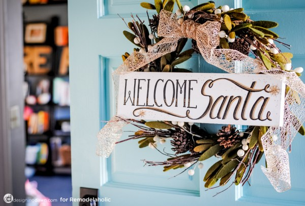 Welcome Santa Wreath Tutorial - Make your own DIY Christmas Decor Ideas featured on Remodelaholic.com