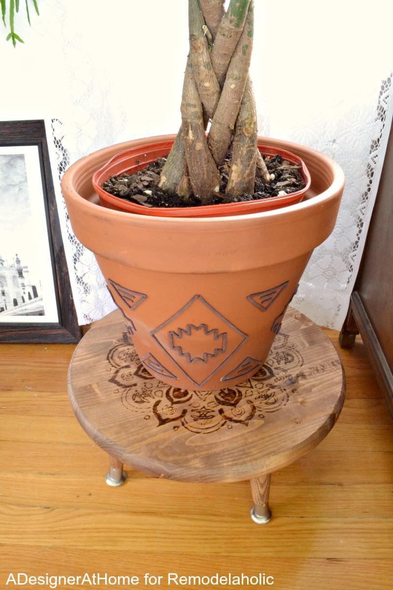 money-tree-embellished-planter-diy-wood-burned-planter-raised-stool-stand