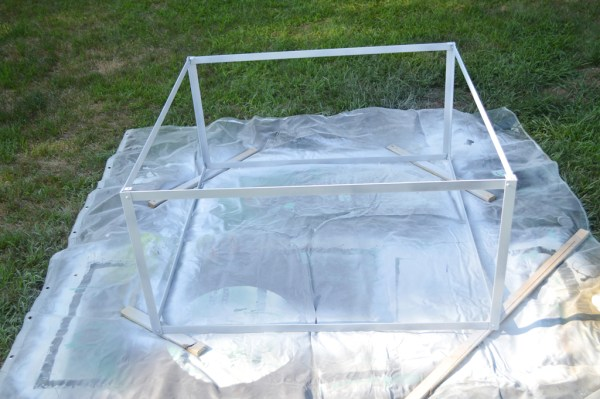 DIY Metal coffee table with no welding, Plaster and Disaster featured on Remodelaholic.com