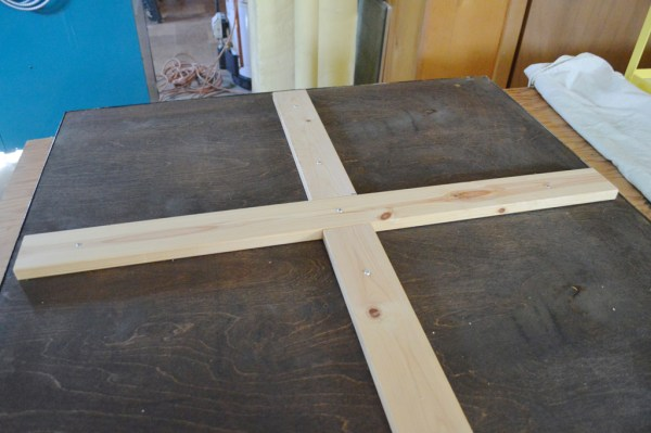 How to make a metal coffee table, Plaster and Disaster featured on Remodelaholic.com