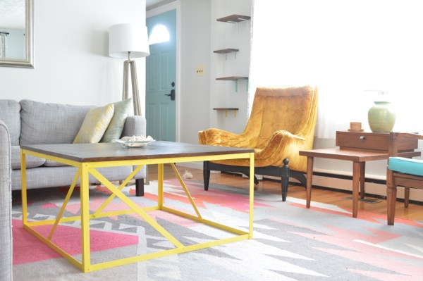 Modern-style metal coffee table tutorial, Plaster and Disaster featured on Remodelaholic.com