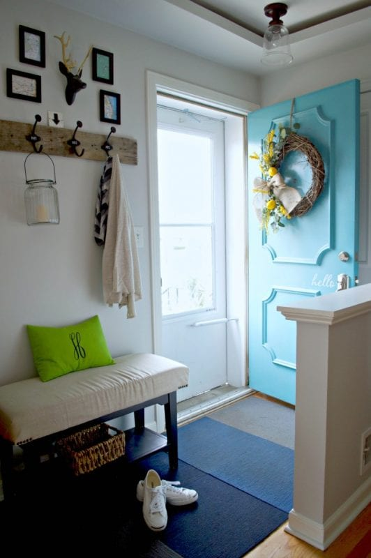 spring colorful entryway | 100+ Beautiful Mudrooms and Entryways at Remodelaholic.com