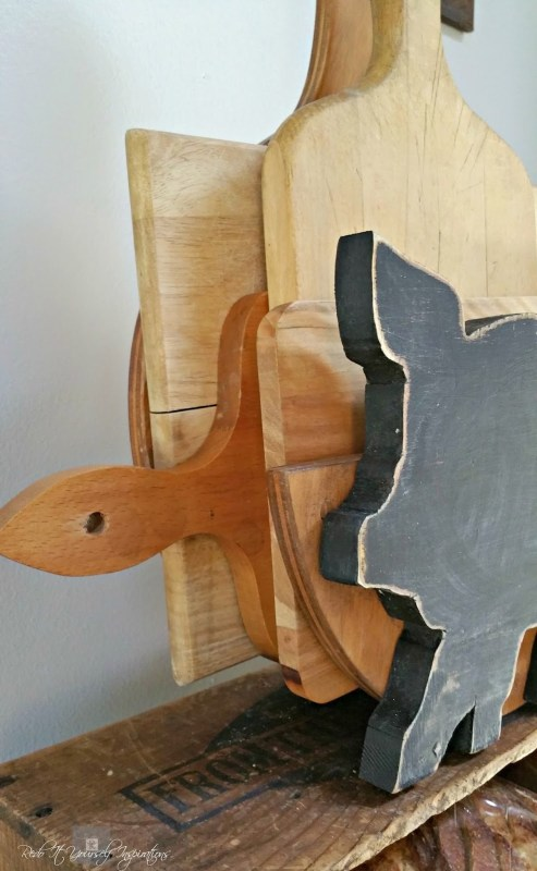 farmhouse style cutting board holder with chalkboard pig, Redo It Yourself Inspirations