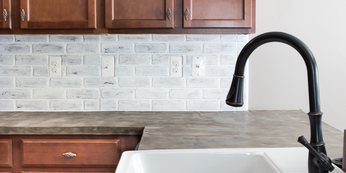 Remodelaholic Diy Whitewashed Faux Brick Backsplash