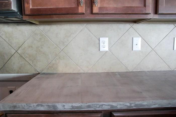 remodelaholic diy whitewashed faux brick backsplash. Black Bedroom Furniture Sets. Home Design Ideas