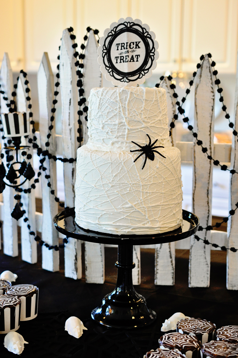 Halloween party food, cakes and treats and a simple backdrop | Simple Halloween Decor Ideas and Tutorials at Remodelaholic.com
