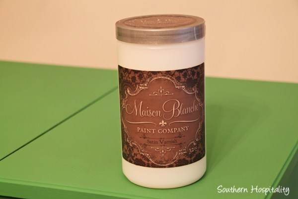 How to use Maison Blanche satin varnish instead of wax by Southern Hospitality featured on @Remodelaholic