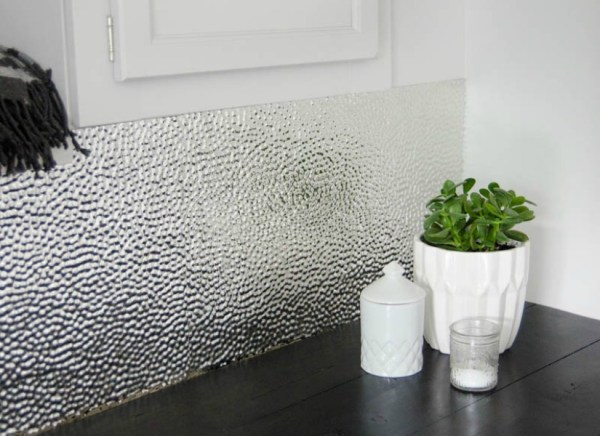 How to install a metal ceiling tile backsplash @Remodelaholic feat