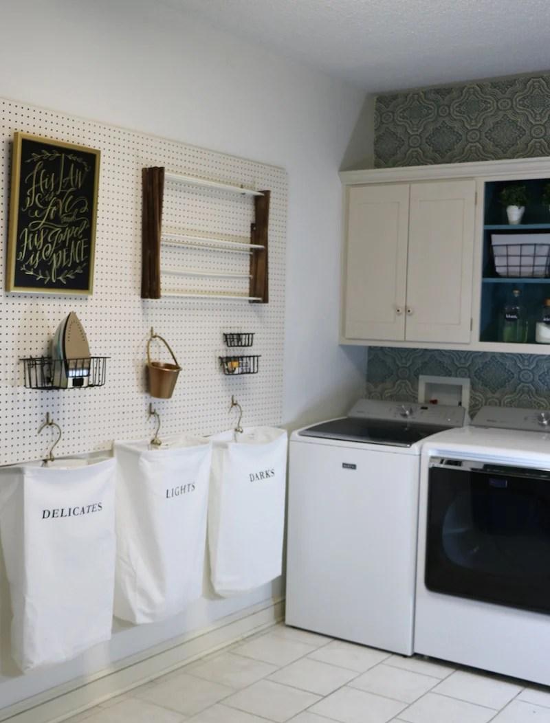 Laundry Room Peg Board Tutorial
