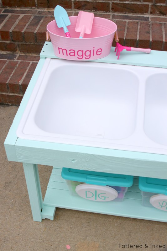 DIY watertable from salvaged kitchen sink by Tattered and Inked featured on @Remodelaholic