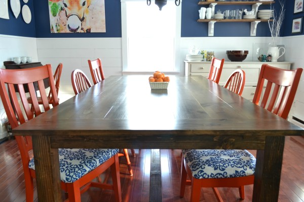 DIY large farmhouse table by I am a Homemaker featured on @Remodelaholic
