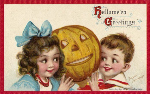 Add something fun and unique to your Halloween decor with one of these 30+ Free Printable Vintage Halloween Images featured on Remodelaholic.com