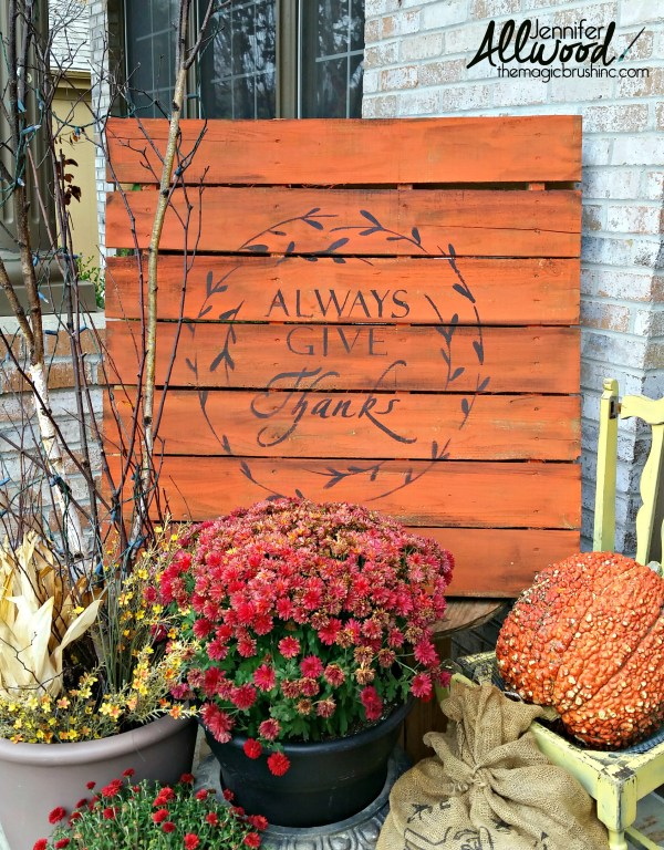 DIY painted pallet porch sign -- and it's reversible!
