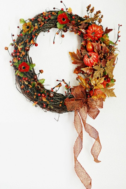 15-diy-fall-wreaths_frugal-momeh_remodelaholic